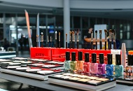 Establish a Business for Selling Cosmetics in Dubai.jpg